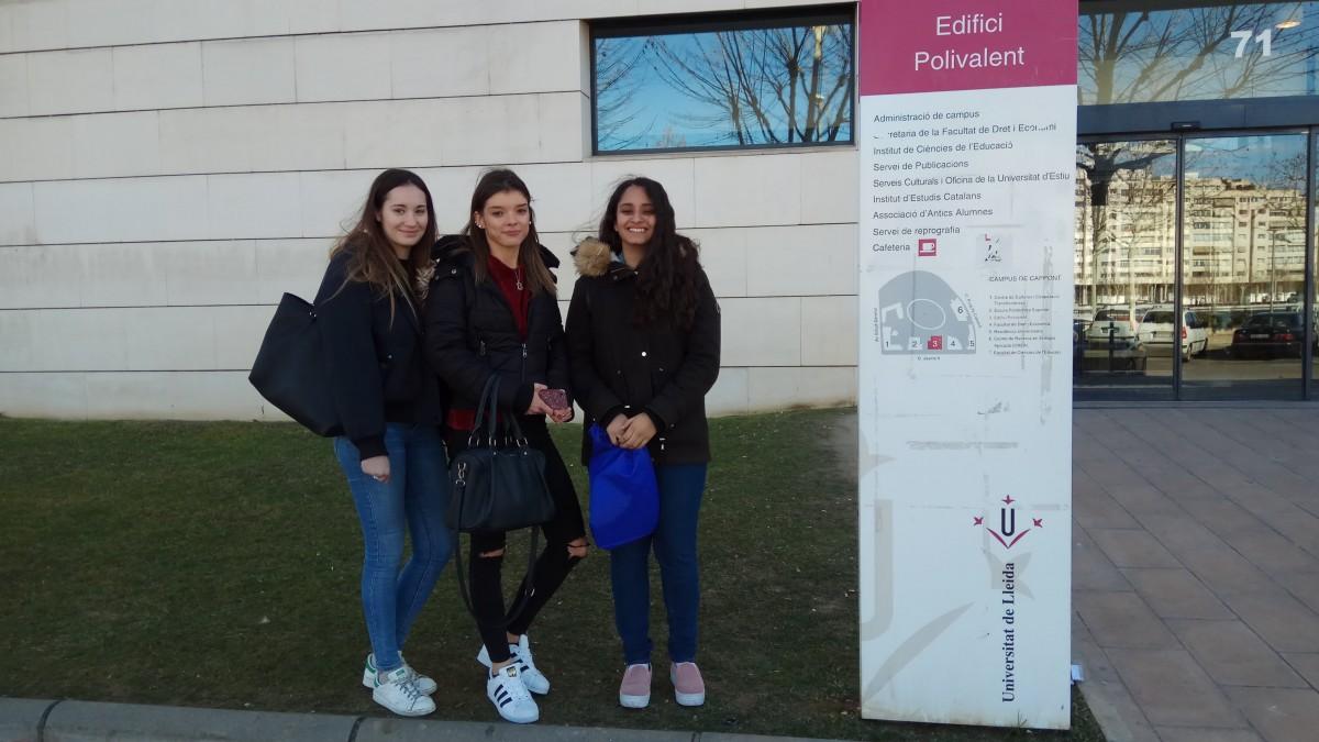 La represetació d'alumnes de l'institut que va participar a l'Olimpíada de Biologia