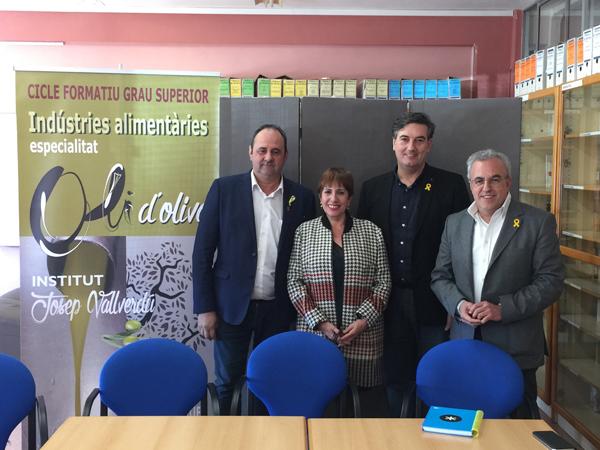 Imatge de la presentació del cicle superior d'olis a l'Institut Josep Vallverdú (Font: Ajuntament de les Borges Blanques)